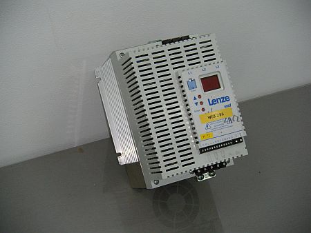 Lenze typ ESMD113 L4TXA