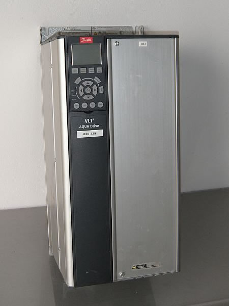 DANFOSS model VLT AquaDrive FC200