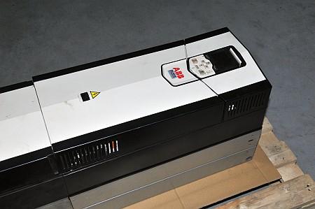 Falownik ABB ACS-880-01-124A-5-E201
